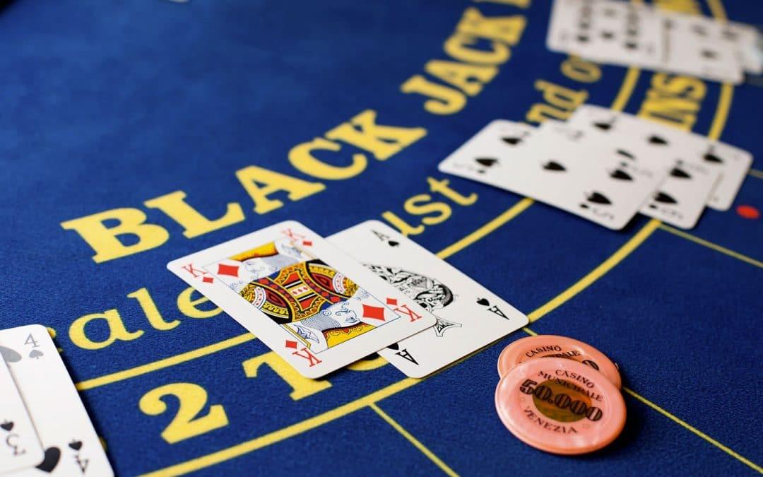 ทำความรู้จัก BlackJack ที่มาของเกม และรูปแบบการเล่น